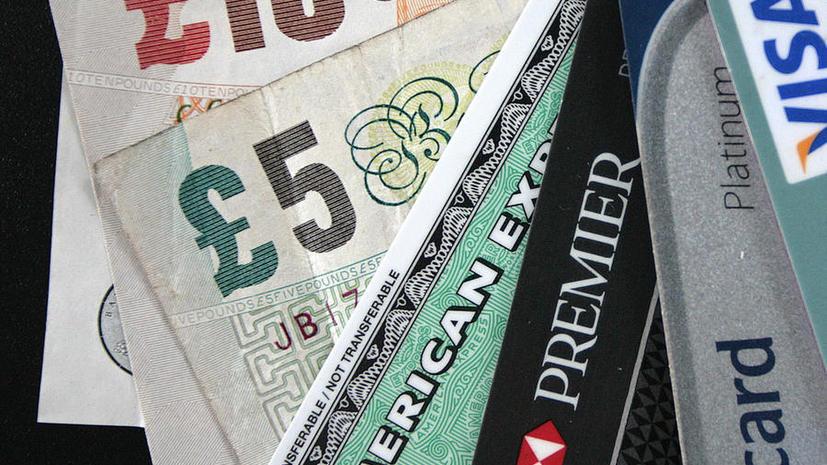 Британские банки выпускают карты для 8-летних детей