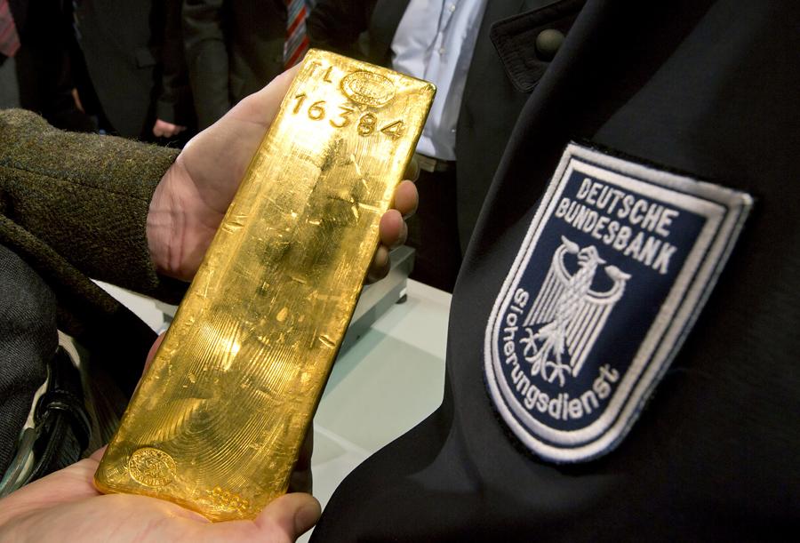 Германия забирает свое золото из иностранных банков