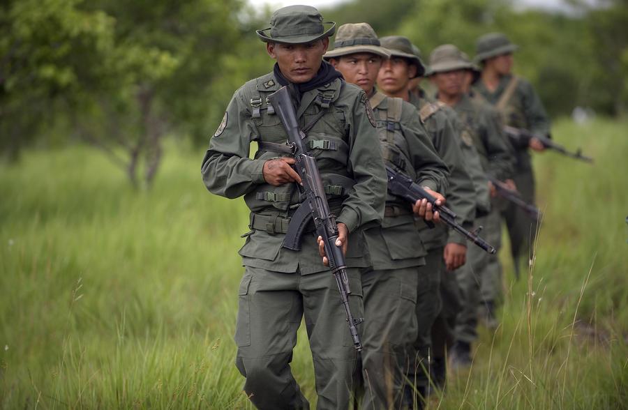 Контрабандисты Венесуэлы вышли на акцию протеста после ужесточения контроля на границе с Колумбией
