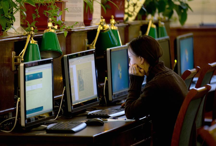СМИ: В России вузы обяжут засчитывать результаты прохождения онлайн-курсов в качестве оценки