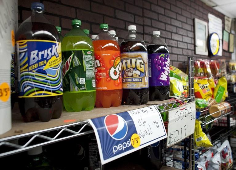 Власти Калифорнии предложили снабдить бутылки с газированными напитками надписями о вреде здоровью