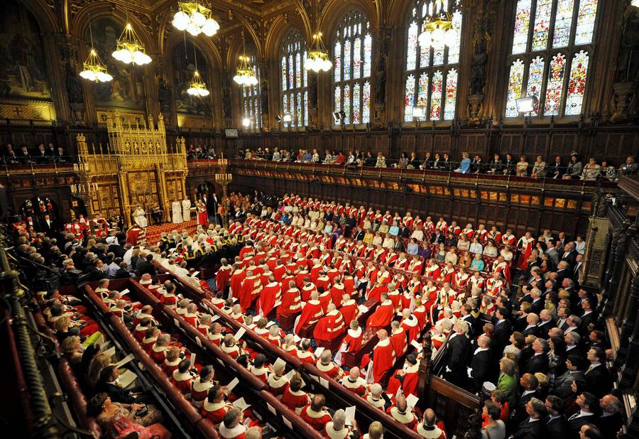 Члены парламента Великобритании признались в чрезмерном употреблении алкоголя и нездоровой пищи