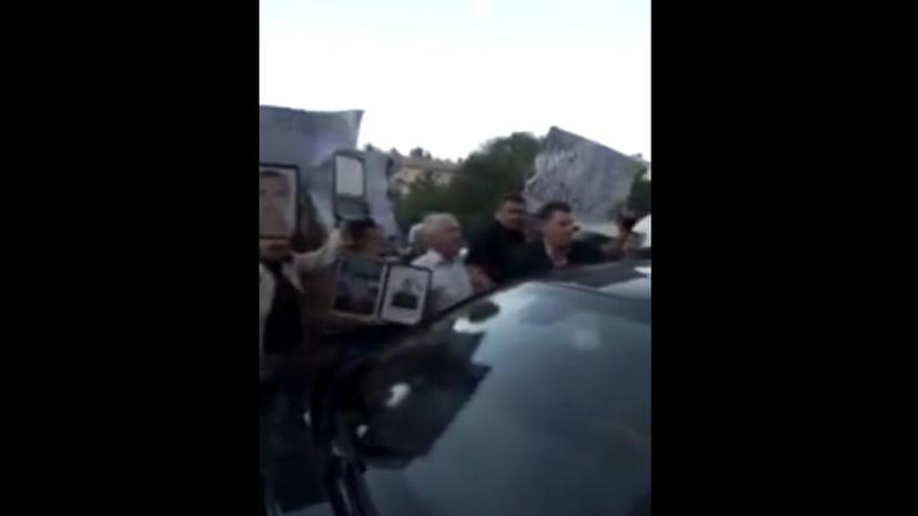 Донецкие митингующие заблокировали кортеж Кучмы, выкрикивая «Киеву позор!»
