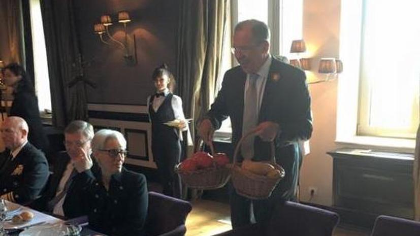 Дипломатический обмен картошкой: мировые СМИ обсуждают подарки Сергея Лаврова и Джона Керри