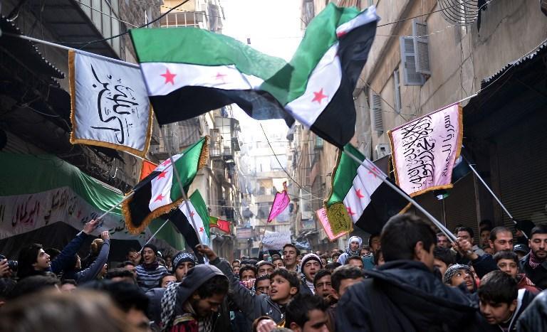 Сирийские повстанцы наняли бывшего британского дипломата, чтобы просить у Запада помощи