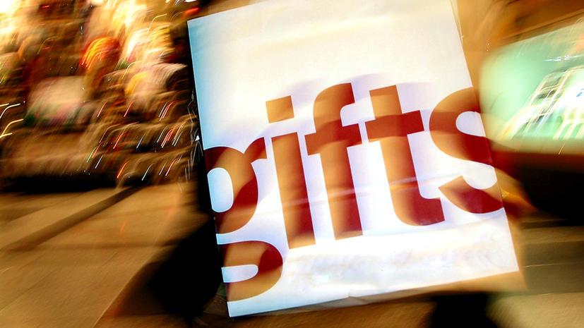 Худшие рождественские подарки: вареная джинса, железный болт, тарелка со спичками