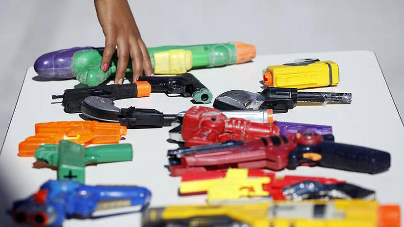 В США арестовали 10-летнего ребенка, размахивавшего игрушечным пистолетом
