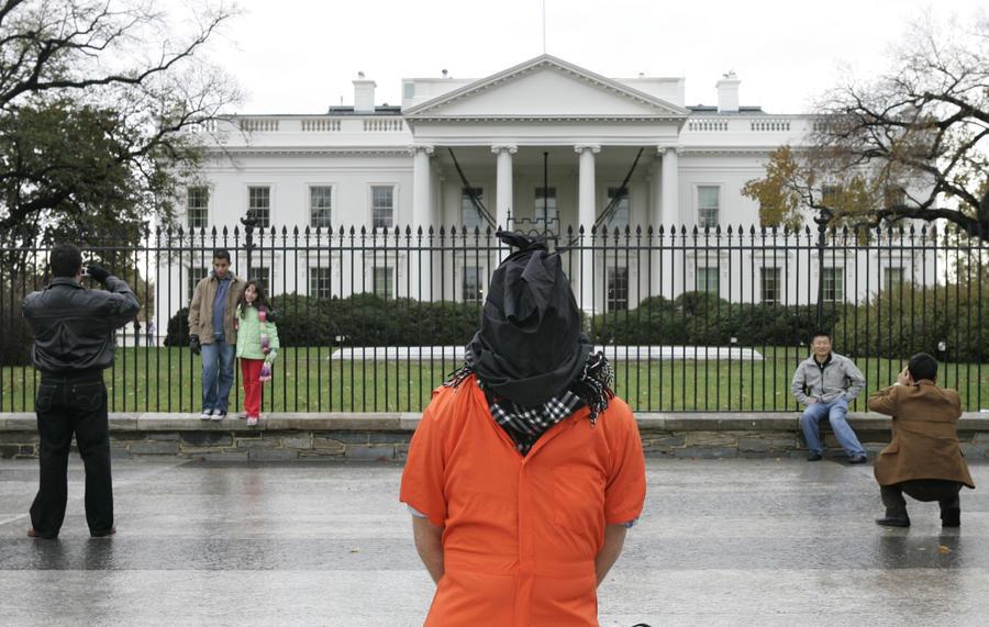 СМИ: Администрация Буша-младшего привлекла психологов для оправдания программы пыток заключённых