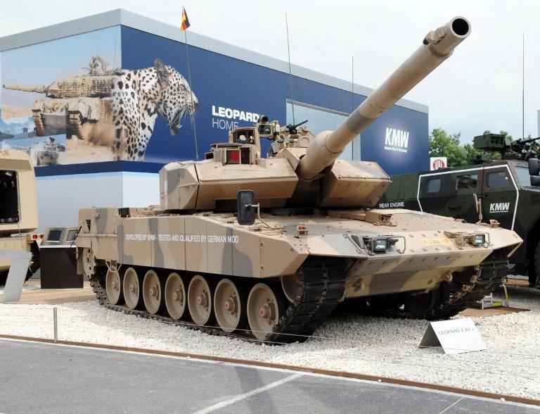 СМИ: Немецкие бизнесмены давали взятки чиновникам из Греции за оружейные контракты