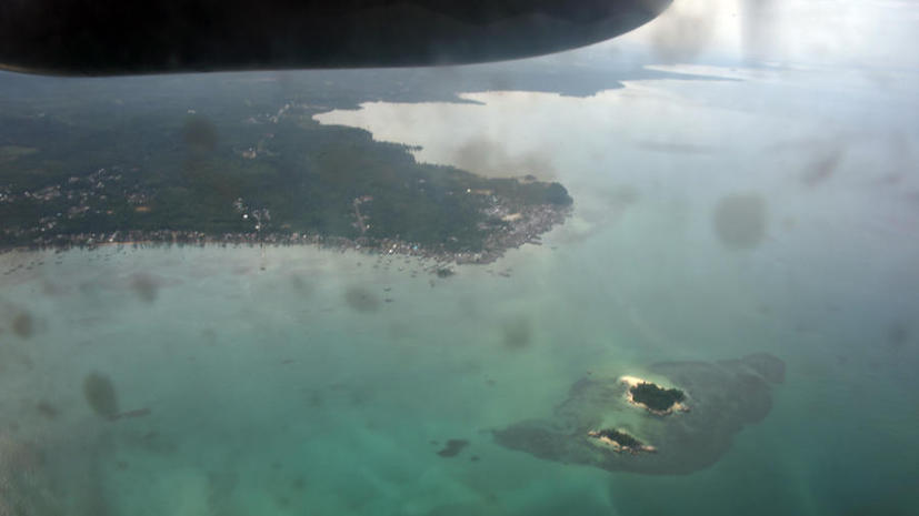 СМИ: Спасатели обнаружили фюзеляж самолёта AirAsia на глубине 30 метров на дне моря