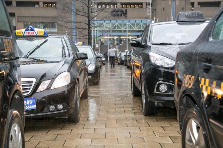 Пьяный немец не сумел выговорить свой адрес таксисту и уехал в Бельгию