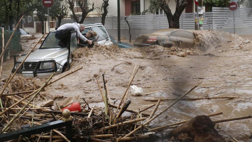 Один человек погиб в результате наводнения в Афинах
