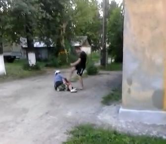 СКР завёл дело против подростка, избившего пенсионерку в Нижнем Новгороде и выложившего видео в Сеть