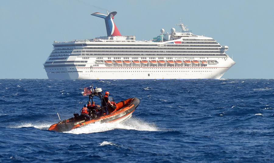 Кошмар на море: на круизном лайнере в Мексиканском заливе заканчивается вода и питание