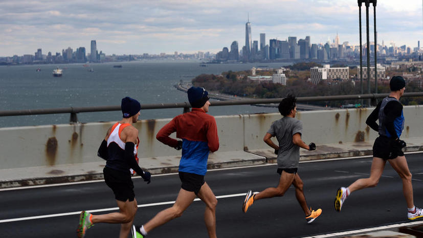 Спортсмены из США пробегают по марафону в день, чтобы собрать деньги на борьбу с детским ожирением