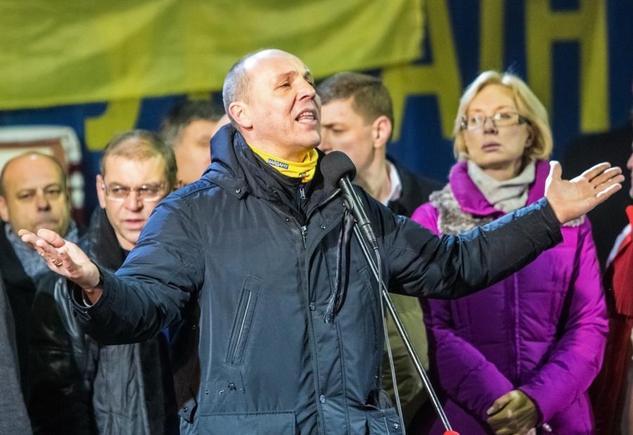 Официальный Киев: Нам наплевать на интересы украинцев, работающих в России