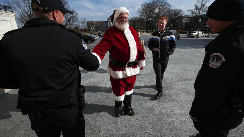 Плохой Санта: в Рождество преступники в США «работают» под праздничным прикрытием