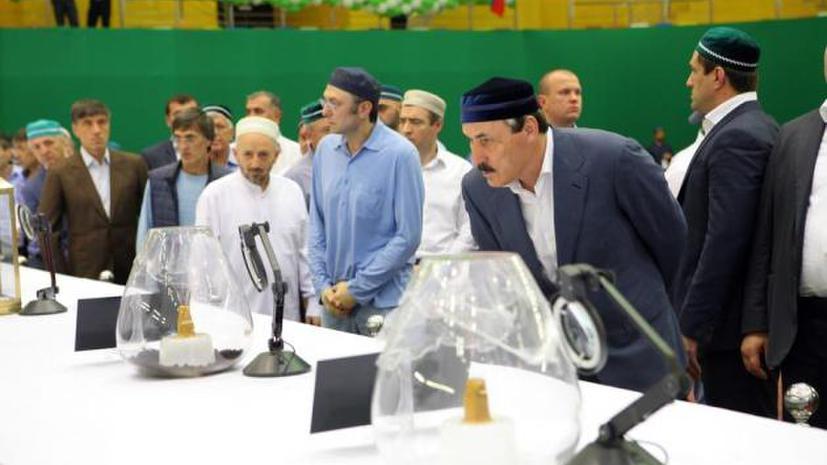 300 посетителей выставки в Дагестане обратились к медикам за помощью из-за давки и жары