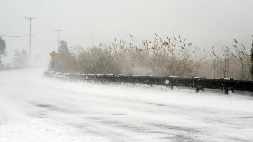 В десяти округах штата Нью-Йорк введена чрезвычайная ситуация из-за сильнейших снегопадов