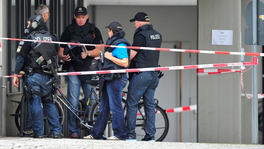 Вооружённый мужчина захватил в заложники трёх баварских чиновников