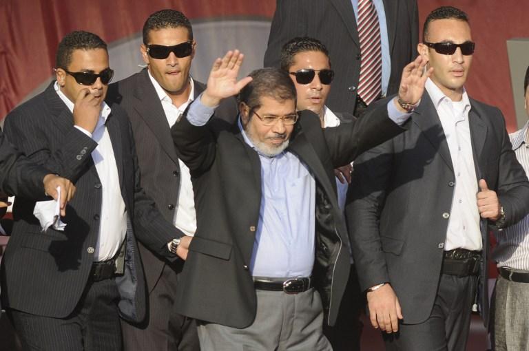 Исламисты выходят на баррикады за президента Египта и новую Конституцию