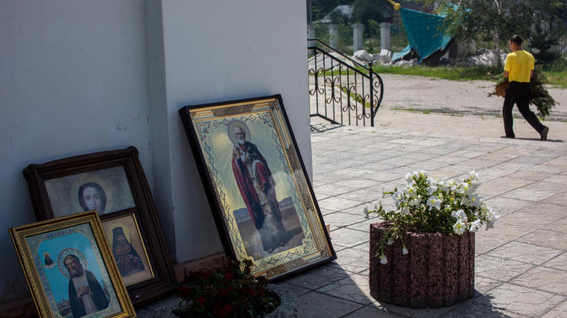 Украинские силовики второй раз за неделю обстреляли кафедральный собор Славянска