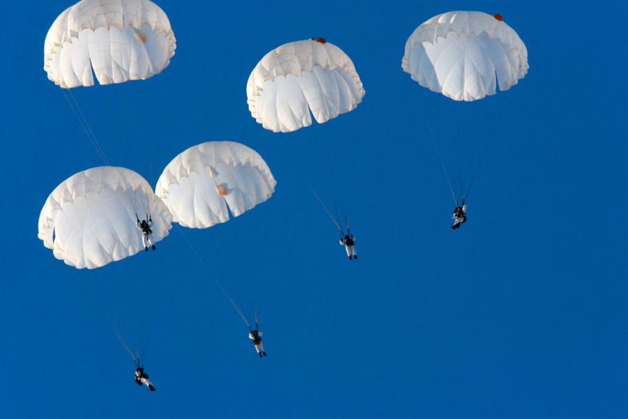 Ученые приравняли езду за рулем к прыжку с парашютом