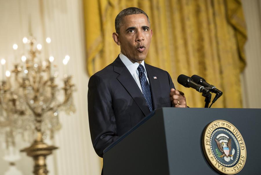 Президент США потребовал защитить журналистов от слежки правительства