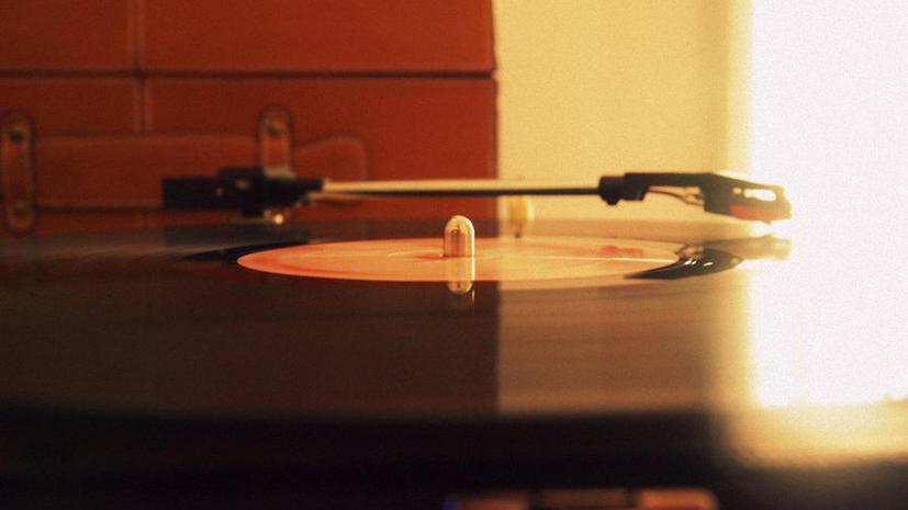 Британская компания выпустит виниловые пластинки из человеческих останков