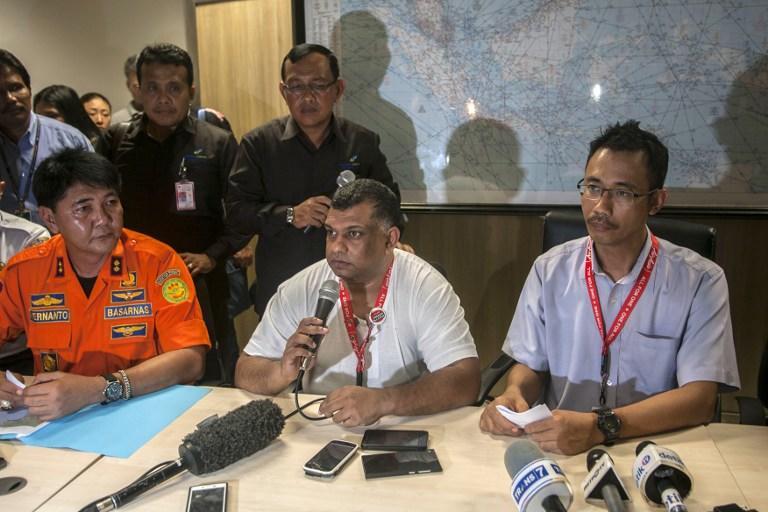Операция по поиску пропавшего малайзийского лайнера компании AirAsia возобновлена