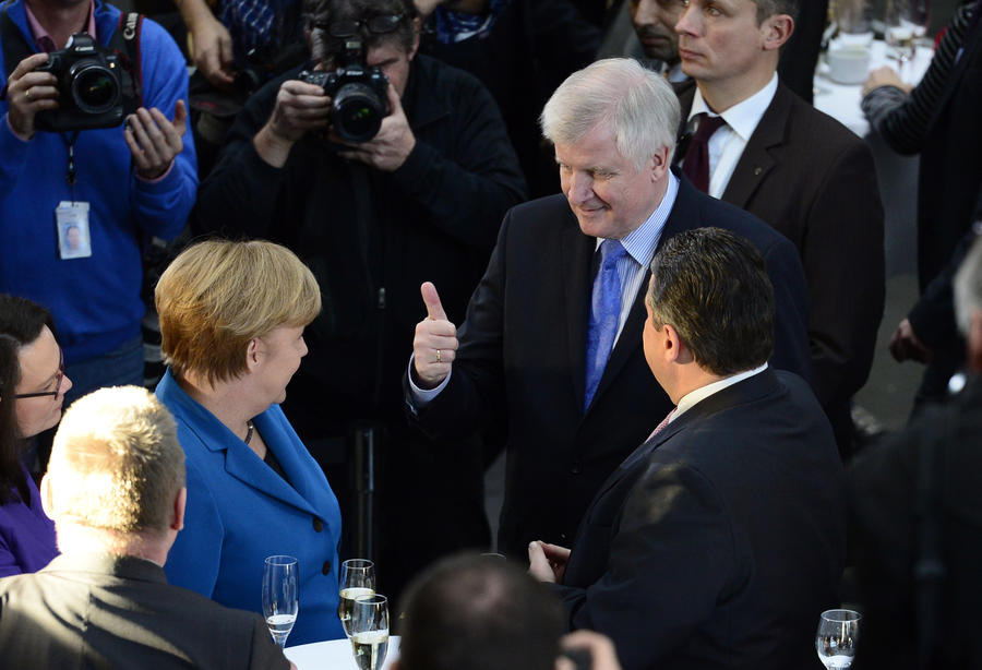 В правительстве Германии назревает раскол из-за политики Запада в отношении России