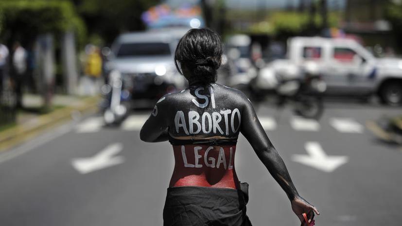 В Сальвадоре женщина получила 30 лет тюрьмы за аборт
