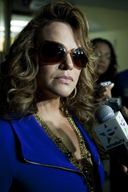 В Мексике разбился самолет с известной певицей Дженни Риверой