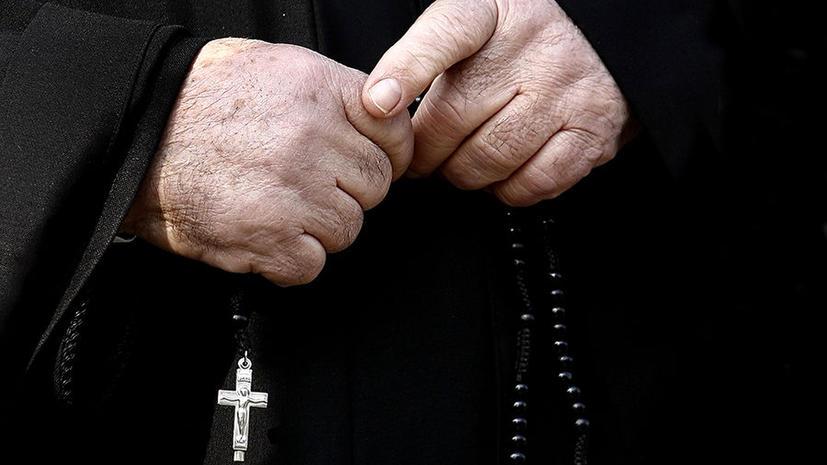 Католический священник пытался провезти в Россию 13 презервативов с кокаином