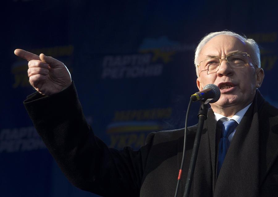 Николай Азаров: Застрелить двоих митингующих в центре Киева могли провокаторы