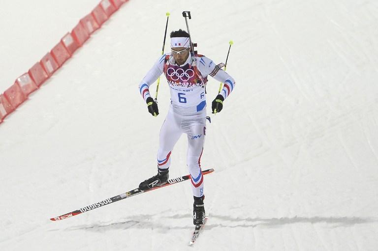Француз Мартен Фуркад финишировал первым в биатлонной гонке преследования на 12,5 км, россияне остались без медалей