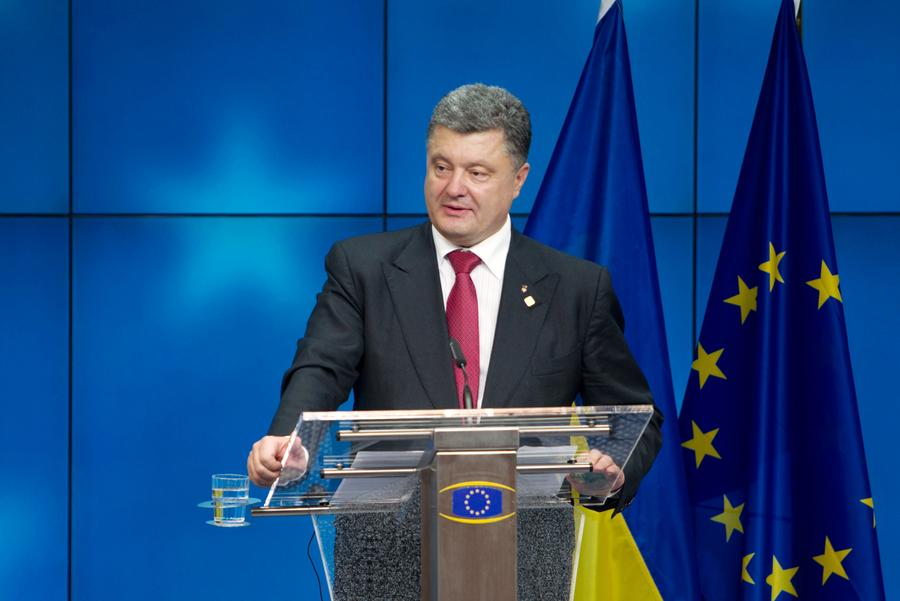 СМИ: Война и западные кредиты превратят Украину во вторую Грецию
