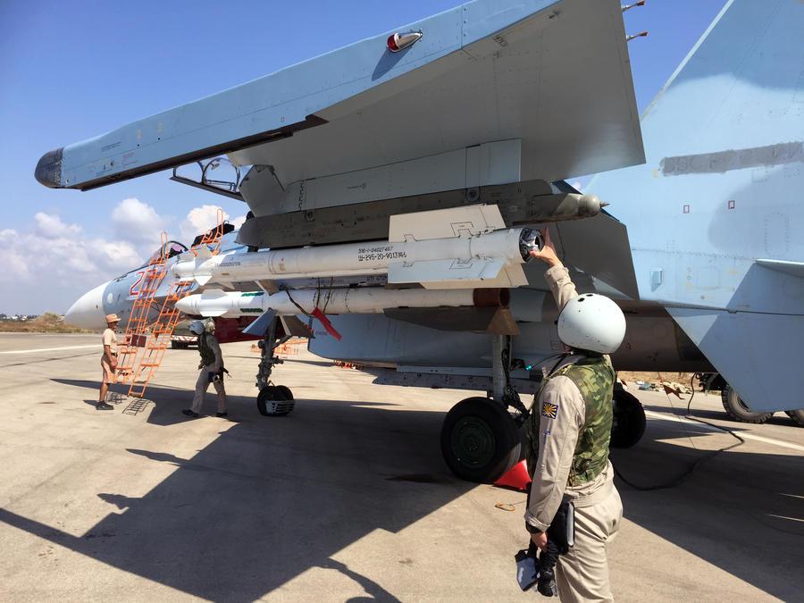 Высокоточные ракеты и корректируемые бомбы: чем снаряжают российские самолёты в Сирии