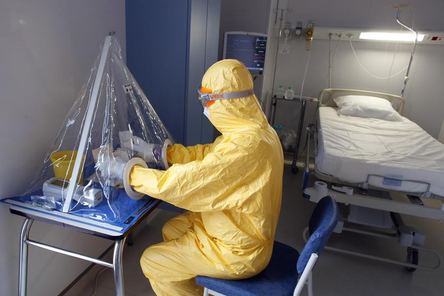 СМИ: В России вскоре появится вакцина от лихорадки Эбола