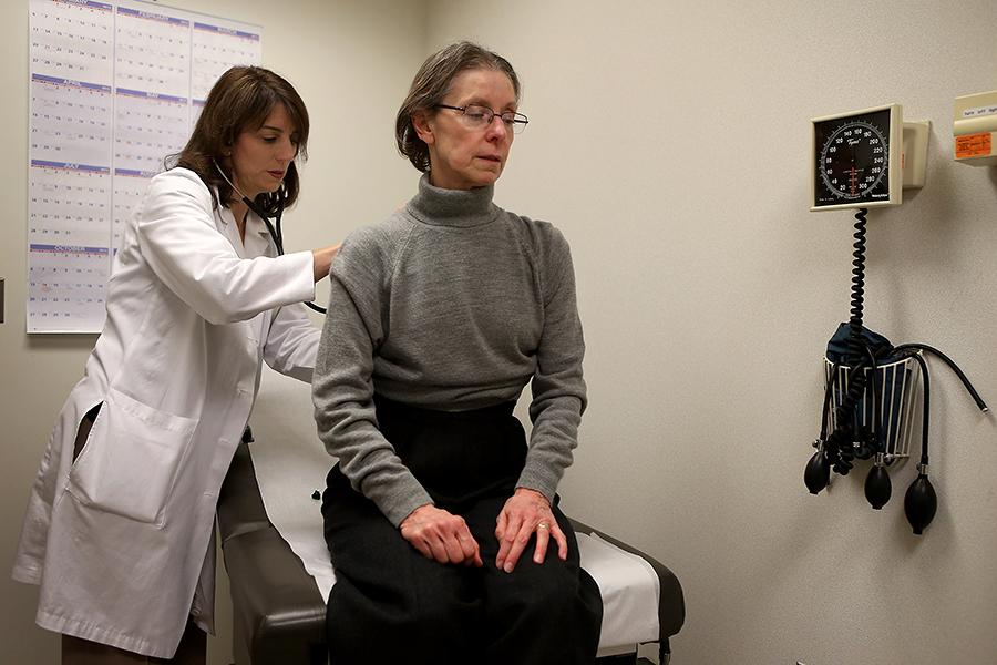 Эпидемия гриппа в США унесла жизни 50 человек, в аптеках не хватает вакцины