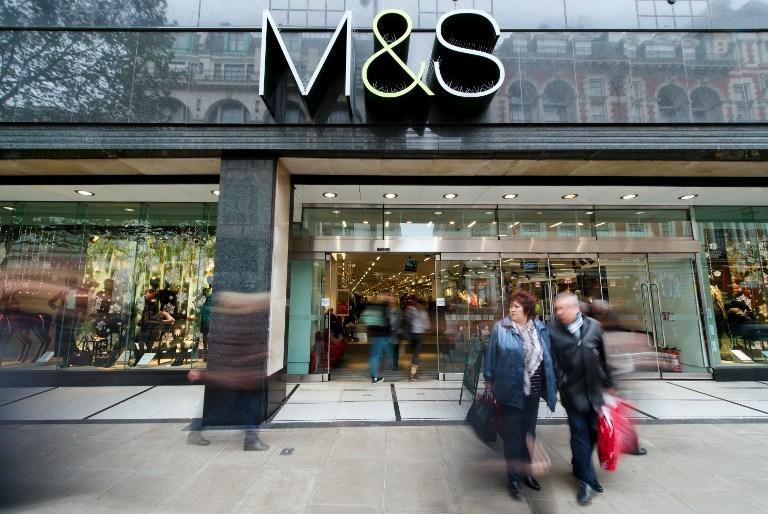 Кассир-мусульманин в Marks & Spencer отказался продать покупателю бутылку шампанского