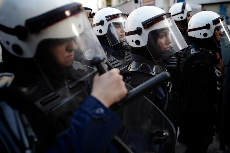 Полиция Бахрейна прервала пятничную молитву шиитов слезоточивым газом