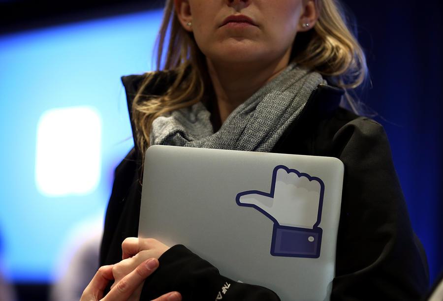 Психологи: Facebook ассоциируется с несчастьями
