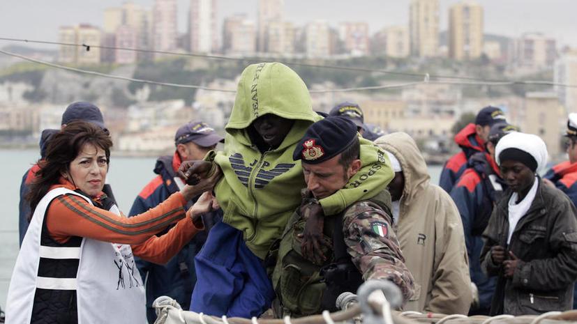 Сотни сирийских мигрантов окружили итальянские берега