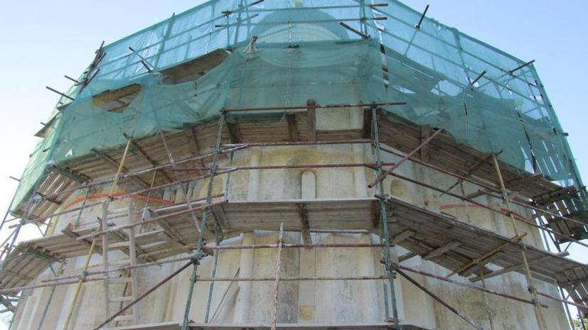 Реставраторы обнаружили необычный архив под крышей Успенского собора