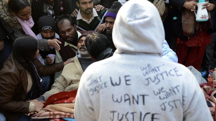 Отец индийской девушки, погибшей от рук насильников, решил обнародовать ее имя