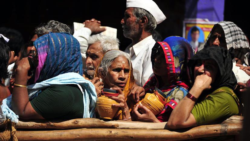 Индийский банк захлебнулся в миллионах писем от ищущих работу людей