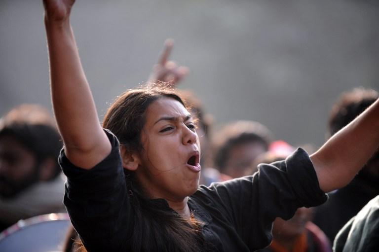 Индийская молодежь вышла на массовый митинг против насилия