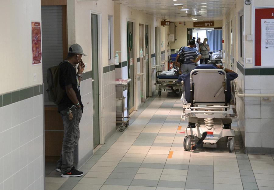 Проблемы системы здравоохранения Британии подрывают авторитет коалиции