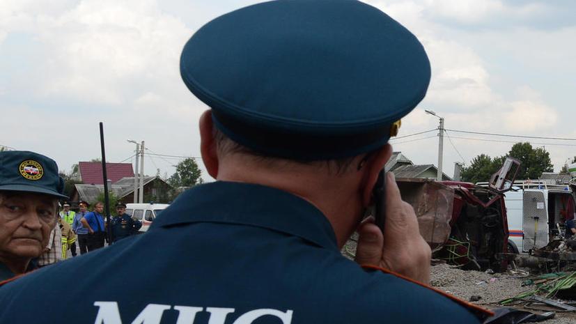 В Бурятии микроавтобус врезался в грузовик: шесть человек погибли, десять получили ранения